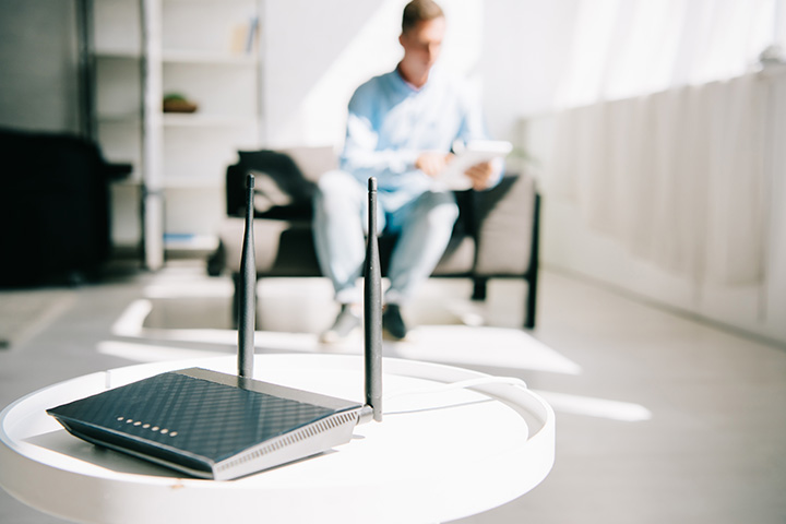 equipment-location-wifi-router-placed-in-living-room